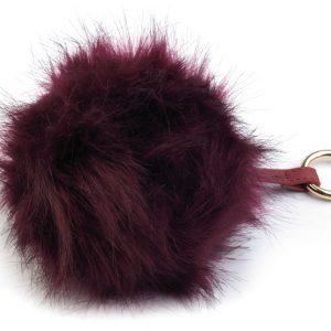 Bordová kožušinová brmbolce z líšky – ozdoba na kabelku