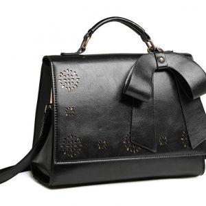 Čierna elegantná dámska kabelka s perforovaným vzorom Miss Lulu