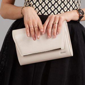 Béžová lakovaná luxusná dámska listová kabelka W52 ROVICKY