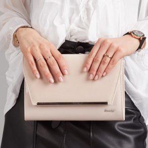 Béžová hladká lakovaná luxusná dámska listová kabelka W52 ROVICKY
