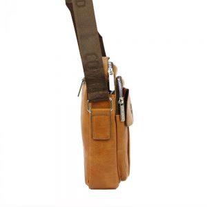 Stredne veľká koňakovo hnedá pánska koženková crossbody taška 21×26 cm